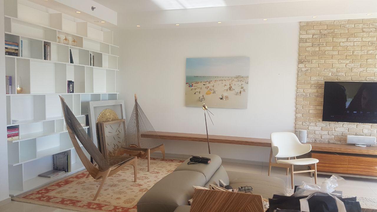 מיני פנטהאוס בקומה 16 עם נוף עד הים!