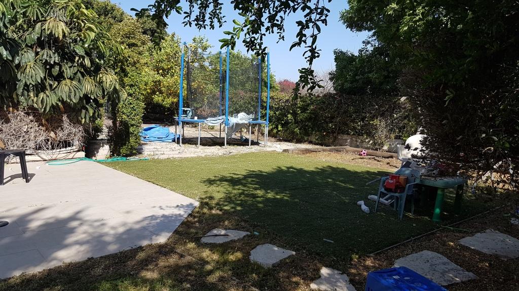 בקרבת הפארק דירת גן עם גינה ענקית!