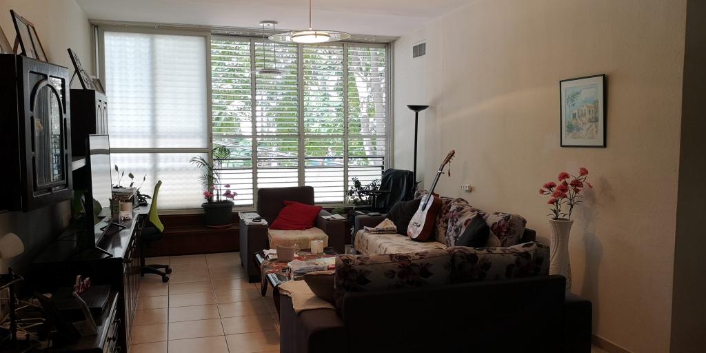 דירת 3 חד' ענקית מצויינת להשקעה