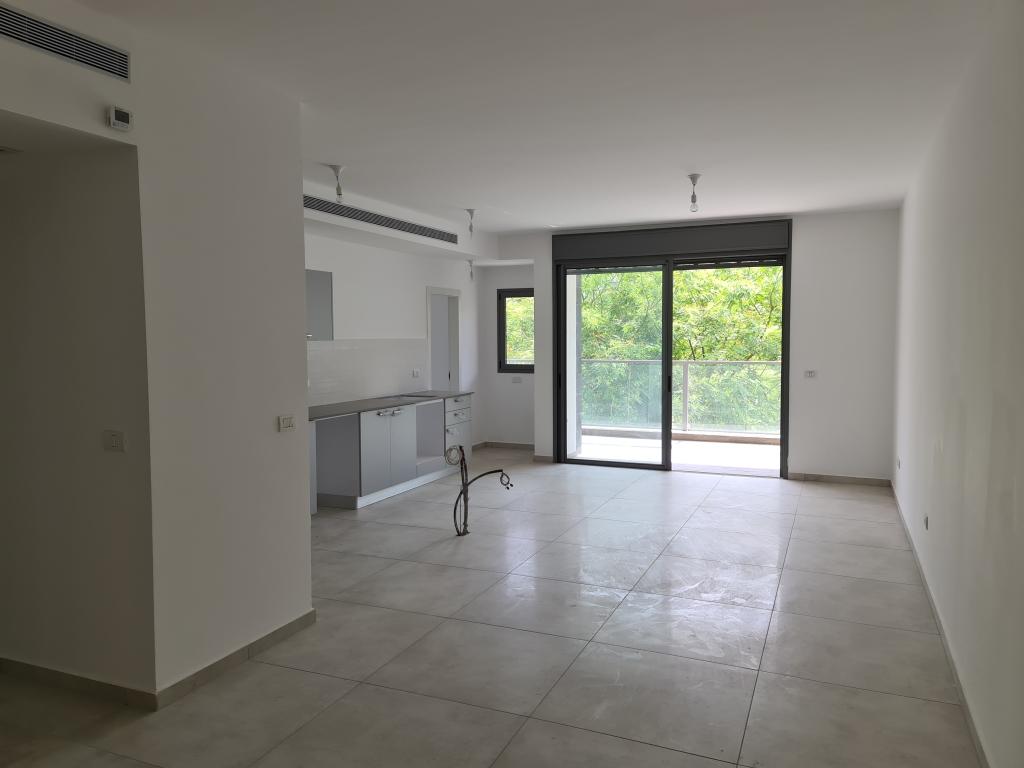 דירת 5 חד' חדשה בבניין בוטיק מפואר