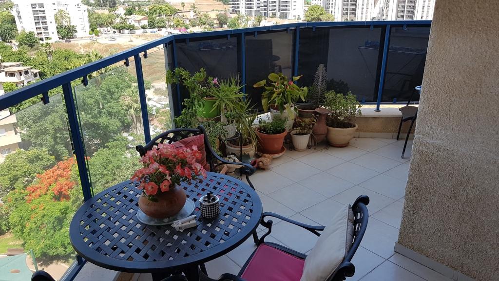 5 חד' מרווחת עם נוף פתוח במגדיאל במחיר 4 חדרים