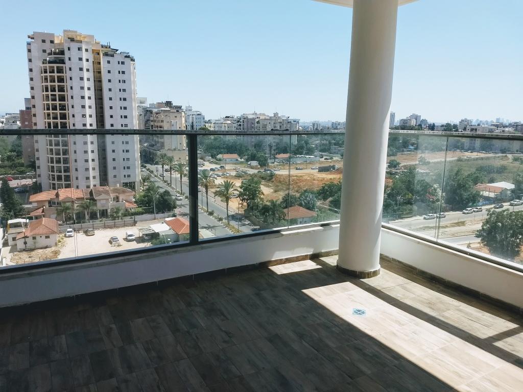 בשכונת 1200 בבניין חדש דירת 5 חדרים